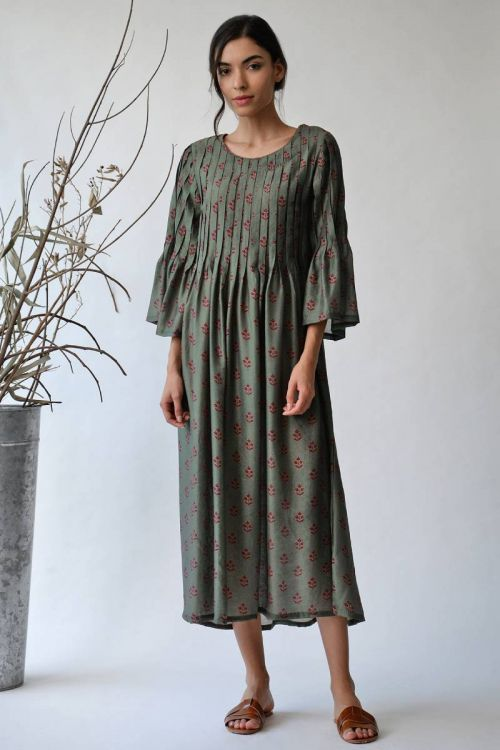 Geulmim pleated Dress
