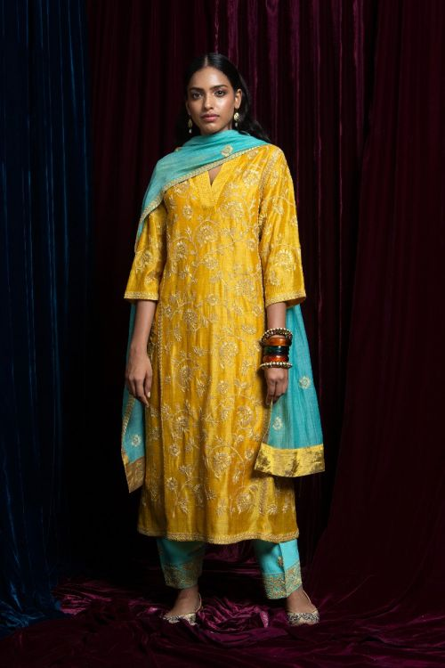 Zareen Kurta Set